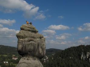 3. den - Tom a Stefan na vrcholu Starostové, foto R. Lienerth